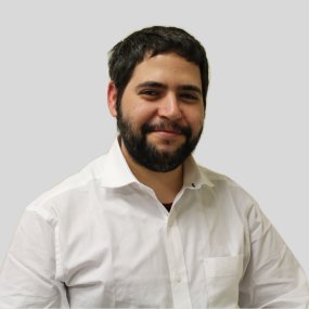 An image of Shay Ohayon, the SEO and owner of Back And Front Marketing